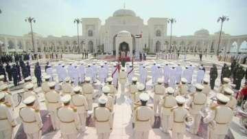 Папа Франциск беше посрещнат в президентския дворец в Абу Даби