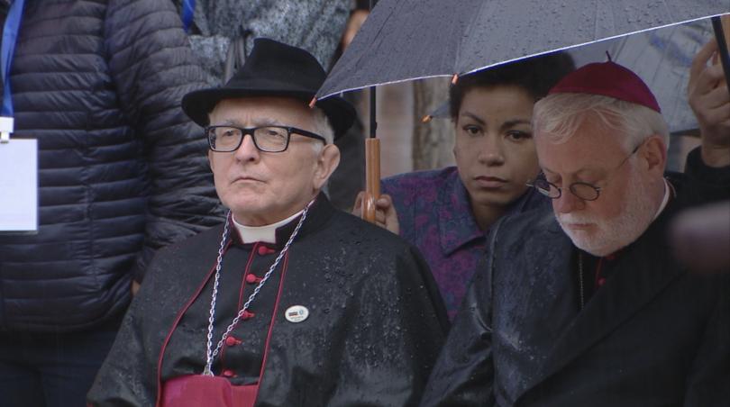 снимка 4 Кулминация на визитата на папа Франциск: Молитва за мир в София (СНИМКИ)