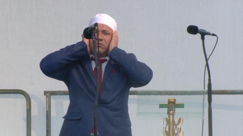 снимка 13 Кулминация на визитата на папа Франциск: Молитва за мир в София (СНИМКИ)