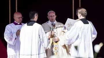 Папа Франциск обяви Майка Тереза за светица (СНИМКИ)
