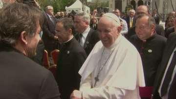 Хиляди дойдоха на площад Св. Александър Невски, за да видят папата