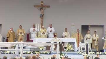 Папа Франциск отслужи Света литургия в София