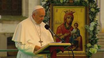 Папа Франциск произнесе неделната си молитва Царица Небесна в София