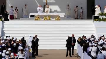 Папа Франциск отслужи меса на открито в Абу Даби