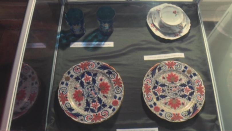 Изящни порцеланови фигури пази във фонда си музеят в Русе.