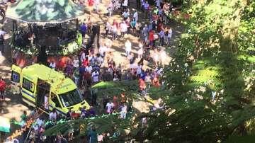 200-годишен дъб уби и рани десетки на португалския остров Мадейра