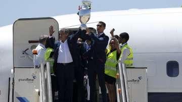 Португалия посрещна триумфално Роналдо и компания