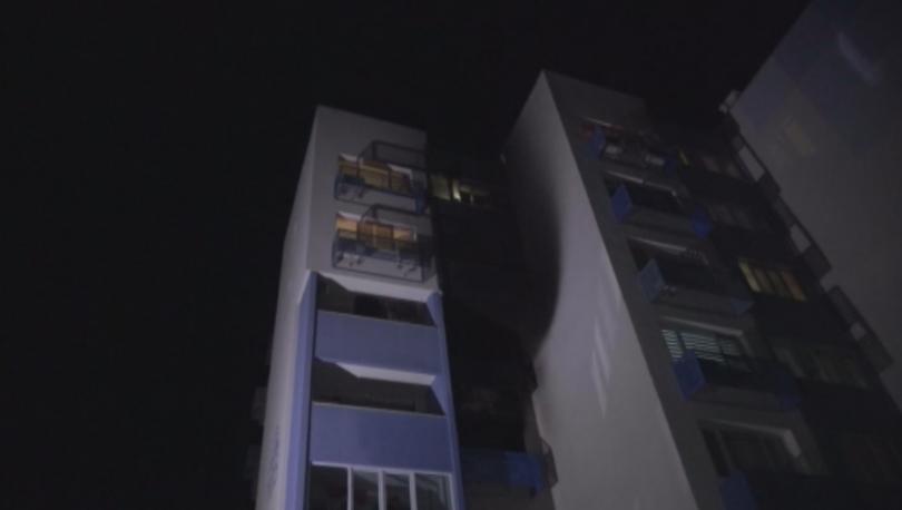 Пожар възникна в жилище на третия етаж в 105 блок
