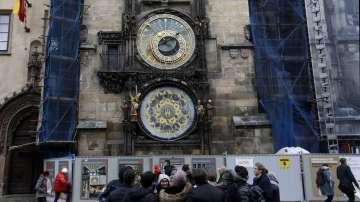 Прочутият пражки астрономически часовник спира за 6 месеца