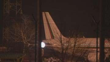 Самолетът с Борисов се приземи на летище София с отказала навигационна система