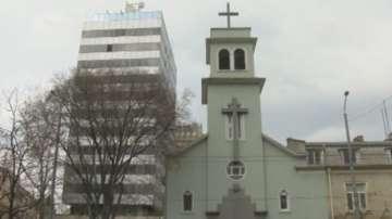 Задържан е мъжът, пребил двама свещеници в Бургас