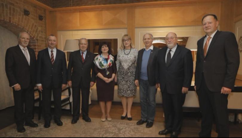 Председателят на Народното събрание Цвета Караянчева събра вчера бившите председатели