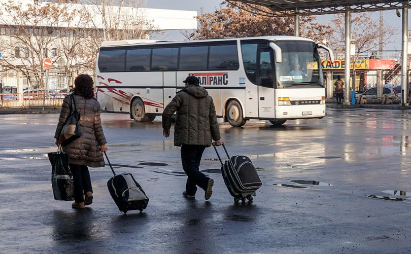 снимка 1 Автобусните превозвачи протестират в над 30 града в страната
