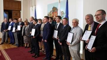 Президентът Радев връчи наградите Джон Атанасов на български учени
