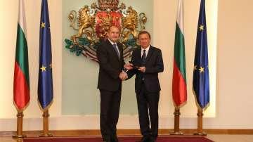 Актьорът Ян Енглерт получи почетен плакет от президента Радев