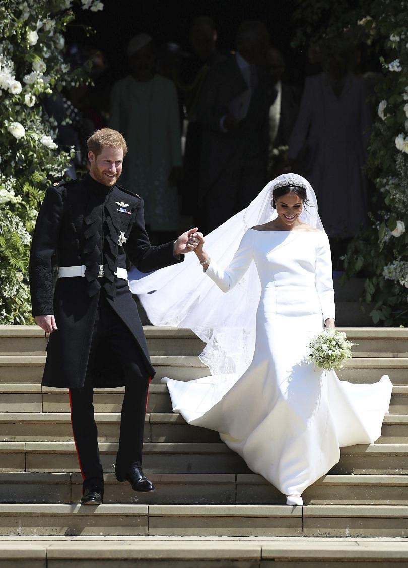 снимка 3 Принц Хари и Меган Маркъл вече официално са съпруг и съпруга (ВИДЕО + СНИМКИ)