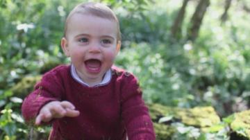 Принц Луи става на една година
