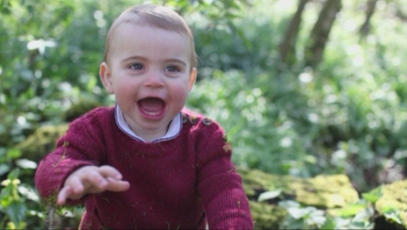Снимка: Принц Луи става на една година