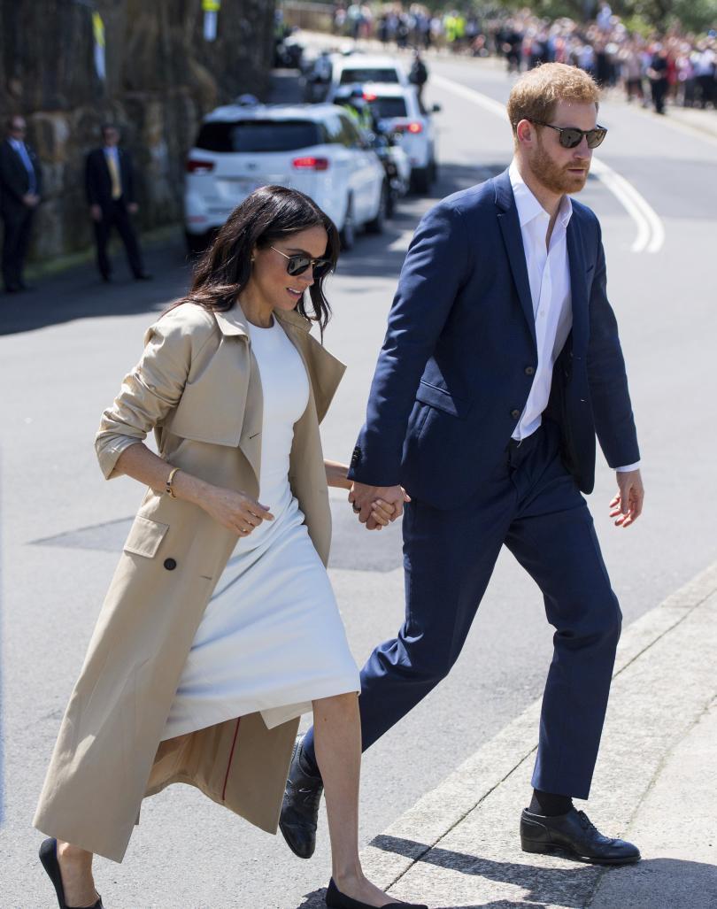 снимка 2 Принц Хари и Меган получиха бебешки подаръци по време на визитата си в Австралия