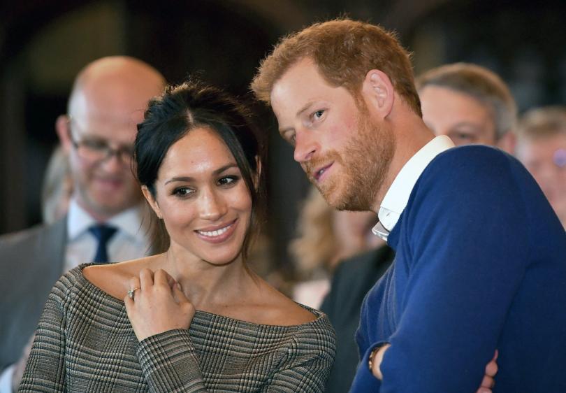 снимка 1 Принц Хари и годеницата му получиха подарък келтска любовна лъжица (СНИМКИ)