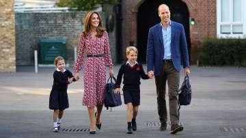 Принцеса Шарлот тръгна на училище