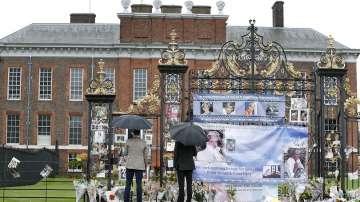 Уилям и Хари почетоха паметта на принцеса Даяна (СНИМКИ)
