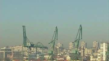 Кораб с тръби за Южен поток заседна край Бургас