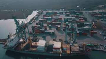 Проверяват контейнери с отпадъци от Италия на пристанище Варна-Запад