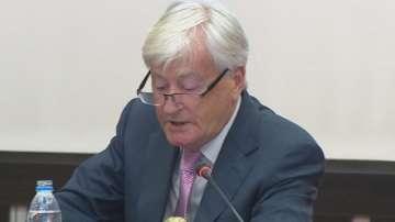 Британският професор Кен ОНийл изнесе лекция в УНСС