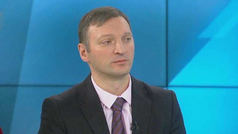 Проф. Али Абшаев, руски учен, който специализира в борбата с