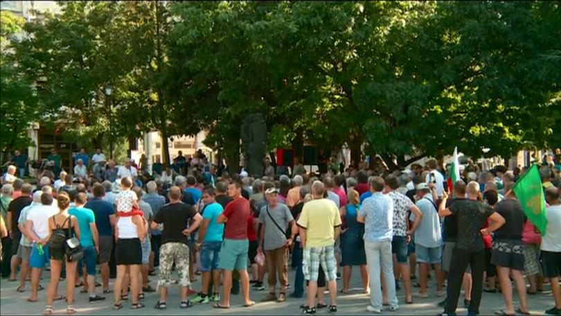 снимка 1 Спират протестите на собственици на прасета в Пазарджишко