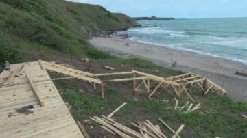 Протест срещу изграждането на заведение на плаж Делфин