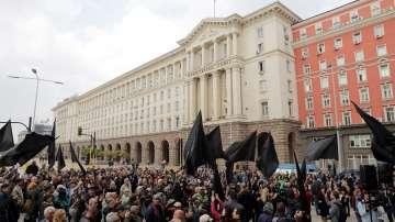 Валери Симеонов заяви, че няма да подава оставка, въпреки протестите срещу него