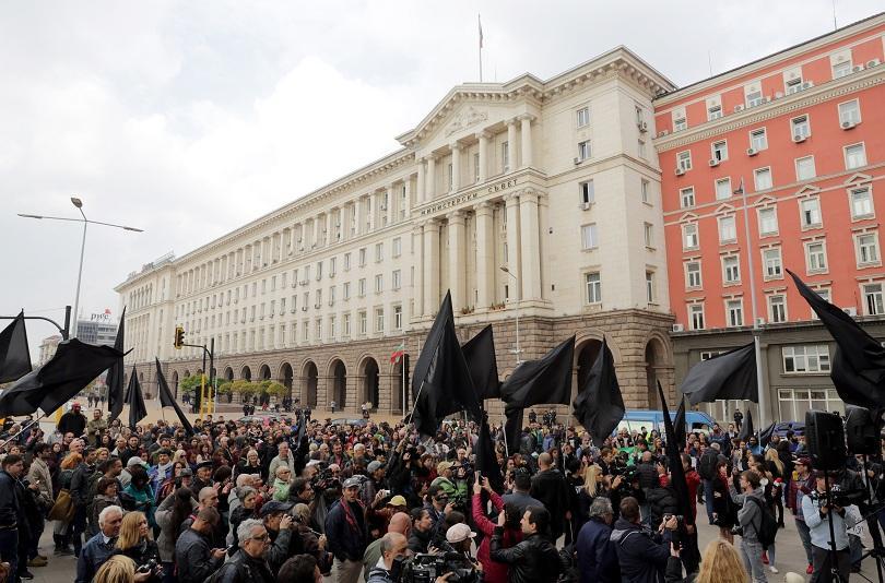 Вицепремиерът Валери Симеонов и днес заяви, че няма намерение да