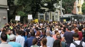 Протест заради кандидатурата на Гешев по време на днешното заседание на ВСС