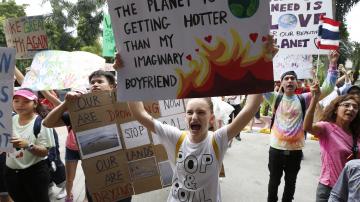 Младежи по цял свят протестират срещу климатичните промени