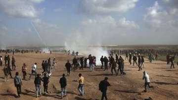 Расте броят на жертвите и ранени по време на палестински протест на Ивицата газа