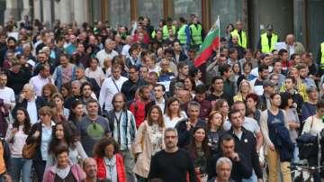 Протестът срещу кандидатурата на Иван Гешев премина в шествие