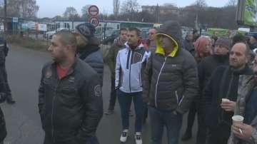 Заради водния режим: Жители на три пернишки села блокираха път Е-79