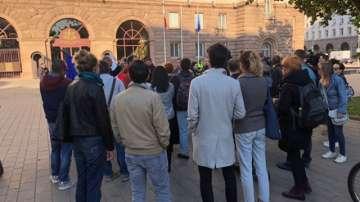 Протестът от Орлов мост се премести пред президентството