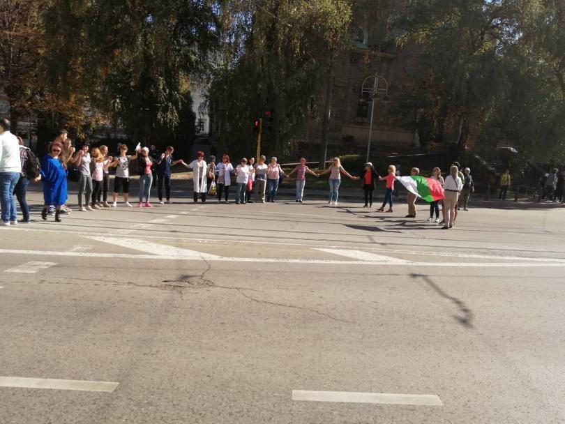 снимка 2 Медицински сестри отново излязоха на протест в София