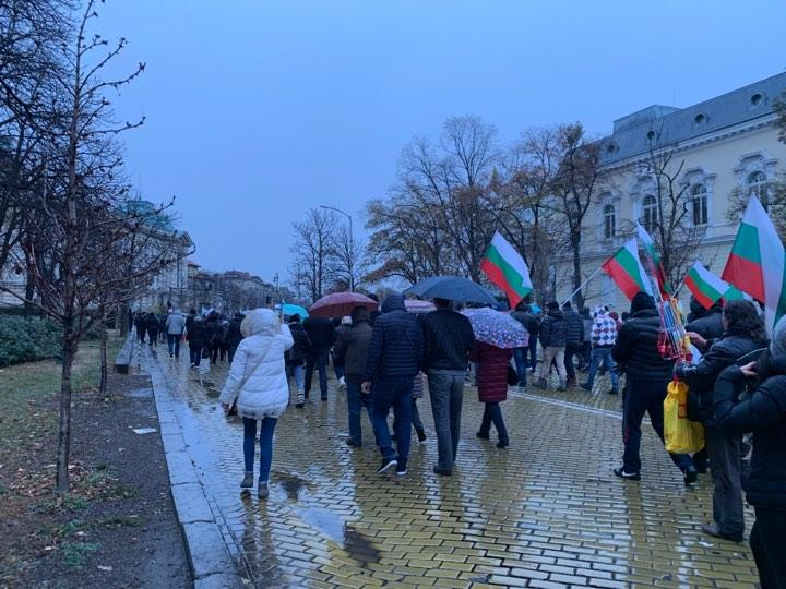 снимка 2 Протестно шествие по софийските улици с искане за смяна на системата