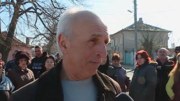 Протест край Пазарджик срещу изграждането на нова свинеферма