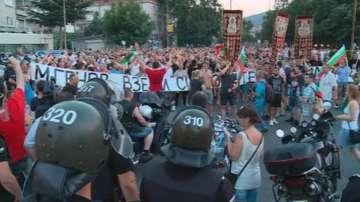 Съдът решава дали да остави в ареста двама от нападателите в Асеновград