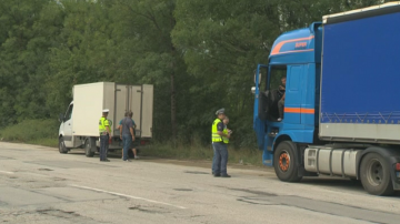 Засилени проверки на камиони и автобусите се извършват в цялата страна