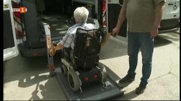 Нови микробуси за хората с увреждания във Варна