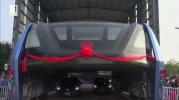 Тестват автобус на бъдещето в Китай