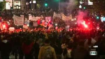 Поредна вечер на протести в Белград срещу победата на Александър Вучич