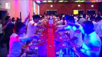 Подобряват рекорда за най-много коктейли джин-тоник приготвени едновременно