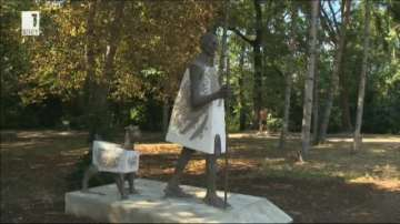 Румен Радев и Рам Натх Ковинд откриват паметник на Махатма Ганди в София
